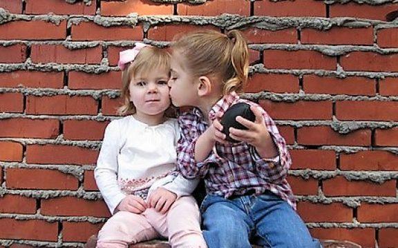 Cercanía, acogida, fraternidad: Besos, besos y más besos